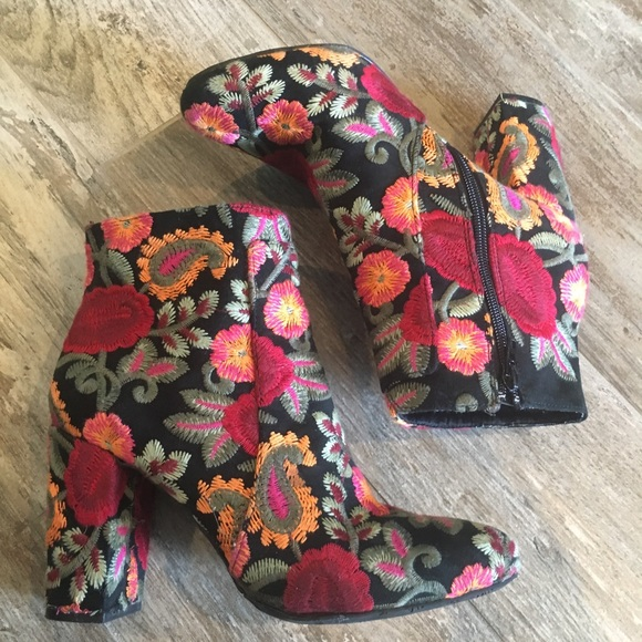MIA Shoes | Mia Rosebud Boots | Poshmark